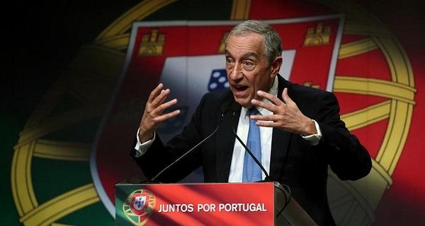 Rebelo de Sousa vence eleição presidencial em Portugal.