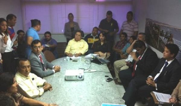 Reunião no gabinete do secretário da SMTT, Canindé Barros, terminou sem acordo e greve continua.