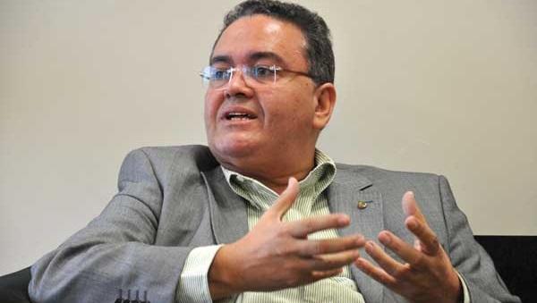 SENADOR ELEITO ROBERTO ROCHA.