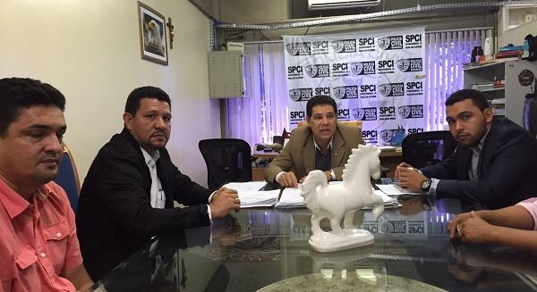 SUPERINTENDENTE DE POLICIA CIVIL  DO ESTADO Dr. DUCIVAL GONÇALVES COM VEREADORES.