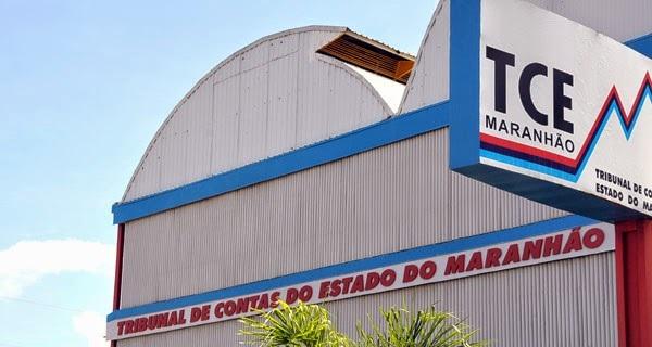 TCE manda 113 prefeitos suspenderem contratos com três escritórios de advocacia.