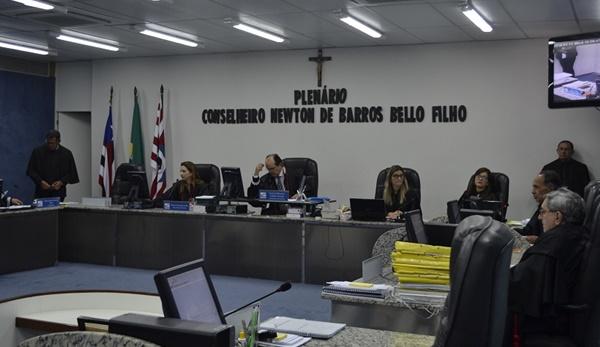 TCE veta uso de verba pública nos carnavais de Paraibano e Gonçalves Dias.