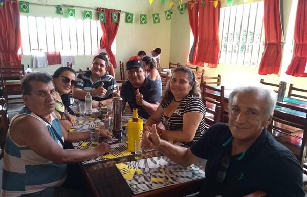 Tenente Carlos diretor do Portal do Munim e o vice-prefeito Fabiano Lopes de Morros visitam amigos na região.