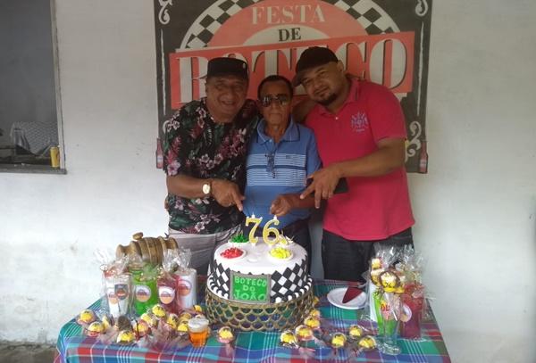 O diretor do Portal do Munim prestigia o aniversário senhor João Tican de Morros.