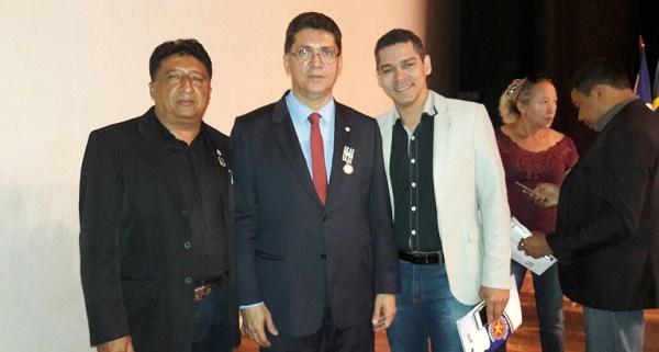 TENENTE PM CARLOS, SECRETARIO JEFFERSON PORTELA E O JORNALISTA JEISAEL.