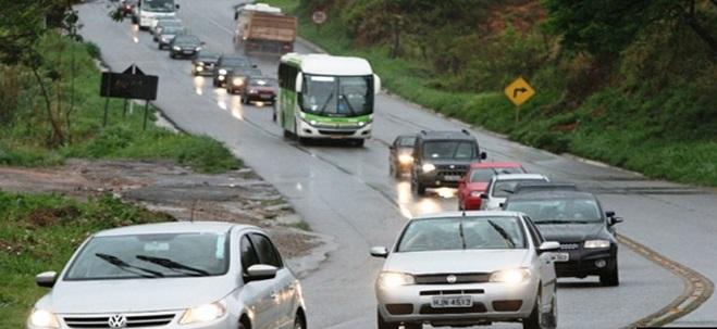 Uso de farol baixo durante o dia em Rodovias passa a ser obrigatório.