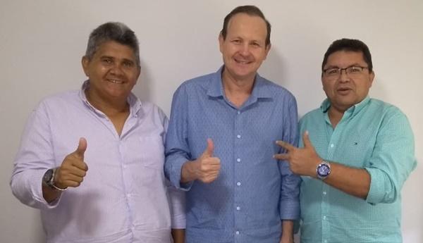 Vereador Edson de Primeira Cruz declara apoio ao ex-secretário e candidato a deputado estadual Márcio Honaiser.