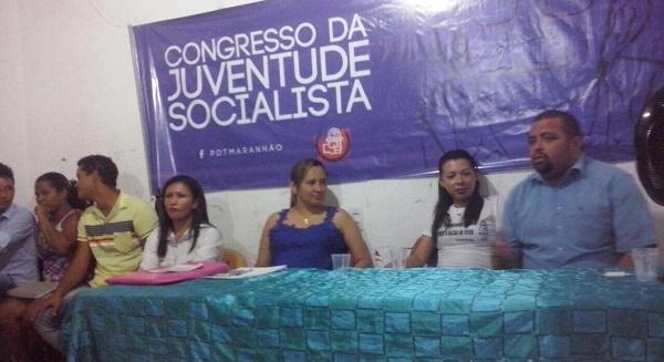 VEREADORA AMANDA E REPRESENTANTES DO CONGRESSO.