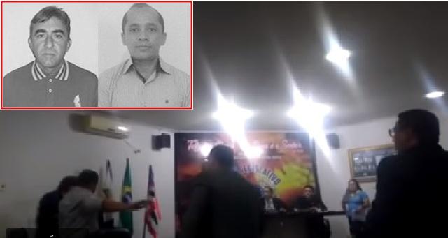 BAIXARIA: Dois vereadores vão aos tapas na Câmara Municipal de Peritoró.