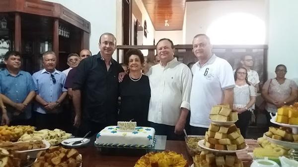 Vice-governador Carlos Brandão comemora aniversario em Colinas com parentes e amigos.