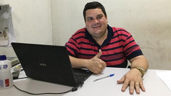 Vice-prefeito Fabiano Lopes Homenageia todos os pais morruenses pelo seu dia.