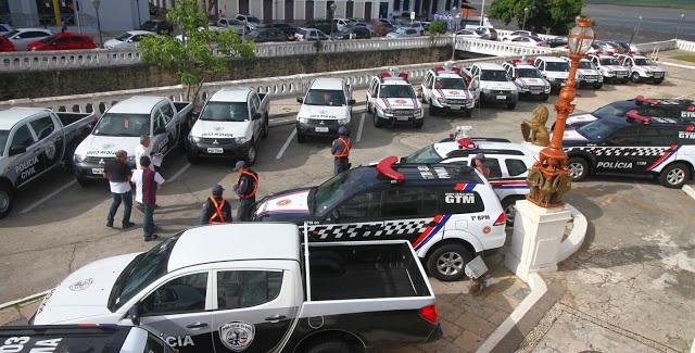 Viaturas entregues pelo governador Flávio Dino às polícias Militar e Civil.