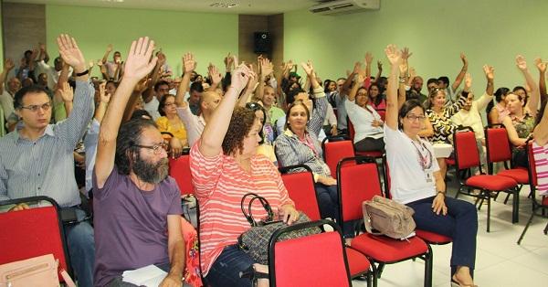 professores da UFMA aprovam criacao de novo sindicato.