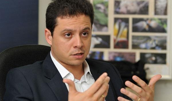 FLÁVIO DINO VAI NOMEIA RODRIGO MAIA PARA COMANDAR PGE-MA.