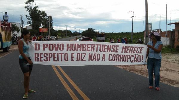 PROTESTO CONTRA O PREFEITO DECO.