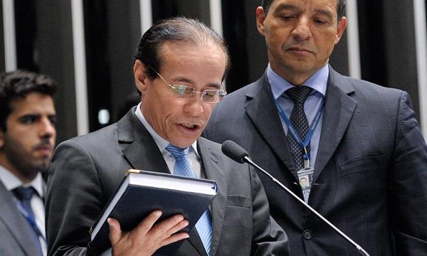 Pinto Itamaraty toma posse no lugar de Roberto Rocha